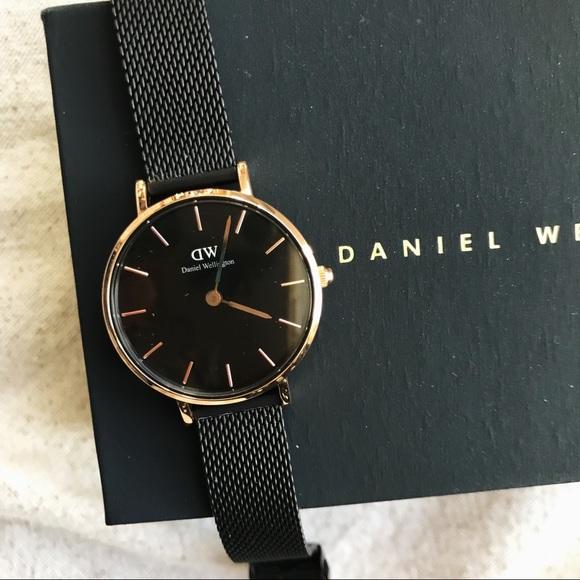 8321b11660b4 Daniel Wellington Accessories - FINAL PRICE Daniel Wellington Petite  Ashfield 28
